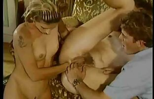 یوگی رابطه جنسی بر روی فرش. پرستارکون