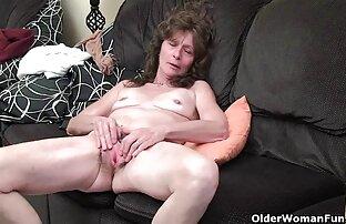 استمناء در کنار عکس سکسی کون بزرگ یک اسباب بازی.