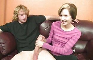 Redheads نشان زنان کونکنده دادن مهارت های جنسی دهانی.